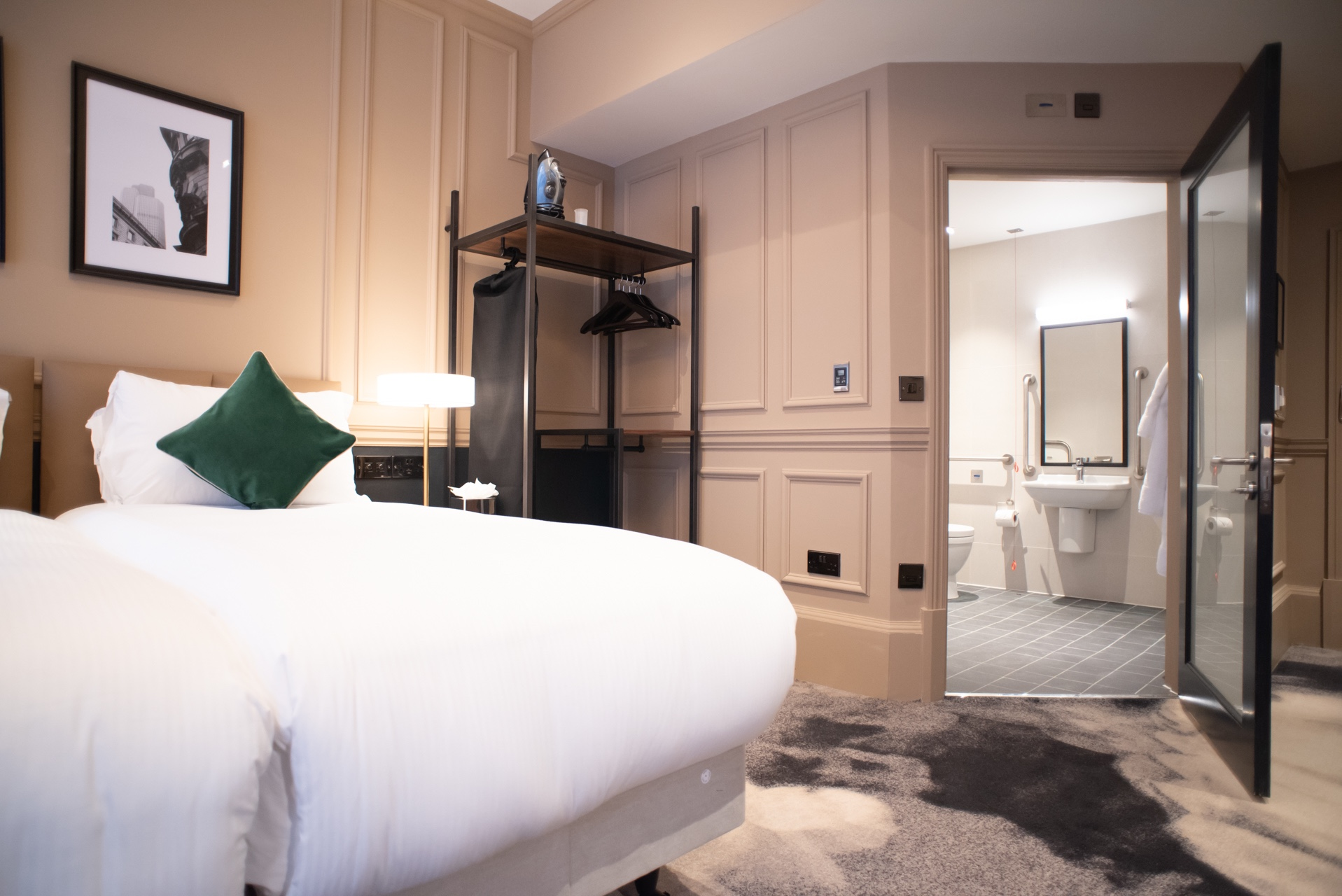 Hotel In Bank | The Counting House | Fuller's Pub With Rooms