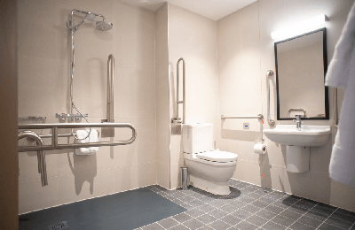 accessible hotel bathroom in london